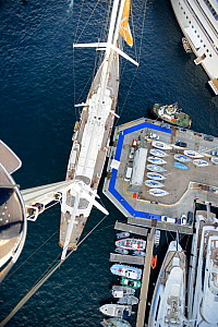 Aerial view of superyacht moored during the Monaco Yacht Show, September 2012. All non-editorial uses must be cleared individually.  -  Rick Tomlinson