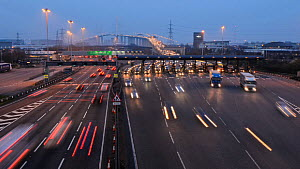 Timelapse of traffic using the Dartford Crossing at dusk, with the Queen Elizabeth II Bridge in the background, Kent, England, UK, March 2012 - Terry  Whittaker / 2020VISION