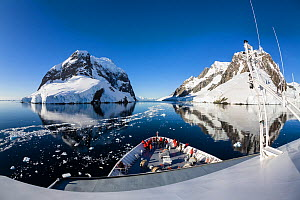 View from Cruise ship in Lemaire Channel, Antarctic Peninsula, Antarctica. February 2007.  -  Konrad Wothe