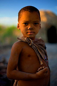 Portrait of a child in a Zu/'hoasi Bushman community in the Kalahari, Botswana. April 2012. No release available - Neil Aldridge