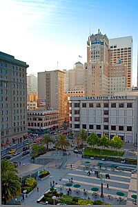 Looking down on Union Square and Saks Fifth Avenue, in downtown San Francisco, California, USA 2011 - Gavin Hellier
