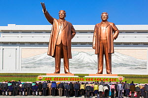 Mansudae Grand Monument, giatn statues of former Presidents Kim Il-Sung and Kim Jong Il, Mansudae Assembly Hall on Mansu Hill, Pyongyang, Democratic Peoples' Republic of Korea (DPRK) North Korea, 2012  -  Gavin Hellier