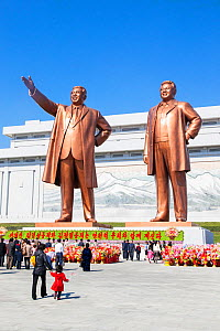 Mansudae Grand Monument, giant statues of former Presidents Kim Il-Sung and Kim Jong Il, Mansudae Assembly Hall on Mansu Hill, Pyongyang, Democratic Peoples' Republic of Korea (DPRK) North Korea, 2012  -  Gavin Hellier