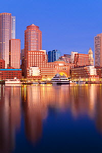 Skyline and inner harbour including Rowes Wharf at dawn, Boston, Massachusetts, USA 2009. No release available. - Gavin Hellier