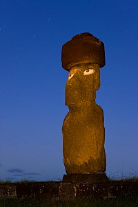 Moai statue Ahu Ko Te riku, the only topknotted and eyeballed Moai on the Island at night, Easter Island, Rapa Nui, Chile 2008  -  Gavin Hellier
