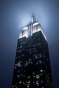 Looking up at the Empire State Building on a rainy evening, Manhattan, New York City, USA 2009. No release available.  -  Gavin Hellier