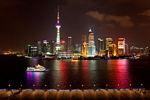 New Pudong skyline, looking across the Huangpu River from the Bund, Shanghai, China 2010. No release available.  -  Gavin Hellier