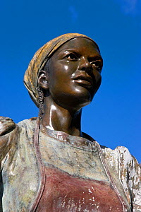 Woman sculpture on Government Hill in the historical district, St Thomas, US Virgin Islands, Leeward Islands, Lesser Antilles, Caribbean, West Indies 2008  -  Gavin Hellier