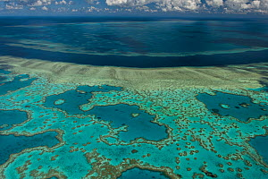 Aerial view of Hardy Reef, Great Barrier Reef, August 2011 - Jurgen Freund