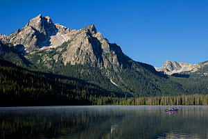Boat on Stanley Lake with Mount McGown in the background, Sawtooth National Recreation Area. Idaho, USA, July 2011  -  Kirkendall-Spring