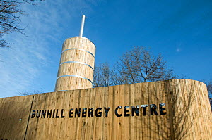 Bunhill Energy Centre, uses heat created when producing electricity to provide heat to local homes, and providing combined heat and power (CHP). The enclosure is built from sustainably sourced green o... - Pat  Tuson