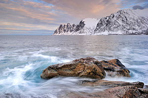 Landscape view of the Devil's Jaw, Ersfjord, Senja, Norway, February. - Benjamin  Barthelemy