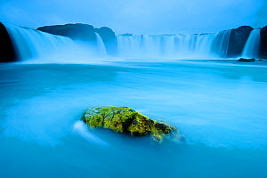 Long exposure of Godafoss waterfall, Iceland. - Inaki  Relanzon