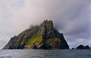 The impressive fortress island of Boreray in the World Heritage Site of St Kilda. St Kilda, Outer Hebrides, Scotland, UK. May.  -  Andrew Parkinson