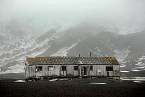 Old abandoned building from a whaling station. Deception Island, Antarctica  -  Enrique Lopez-Tapia