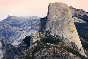 Half Dome and Sierra Nevada from Glacier point, Yosemite National Park, California, USA, October 2012. - Jouan Rius