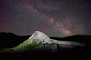 Soda Butte with starry nights sky, Yellowstone National Park, Wyoming, USA, June 2013.  -  Kirkendall-Spring