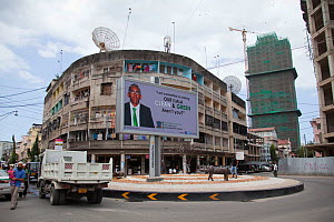Billboard in central Dar Es Salaam promoting a greener community, Tanzania.  -  Tom  Gilks