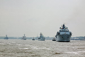 HMS Bulwark followed by HMS Edinburgh, BNS Louise-Marie and ORP General Tadeusz Kosciuszko, proceed up the River Mersey as they leave Liverpool at the conclusion of the Battle of the Atlantic 70th Ann...  -  Graham  Brazendale