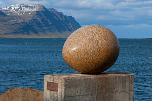Sculpture of Skua egg (Stercorarius parasiticus) 'Eggin i Gledivik?' by Siguraur Guamundsson, ?34 giant granite eggs along the coast? at Djupivogur, Iceland, June 2011.  -  Roland  Seitre