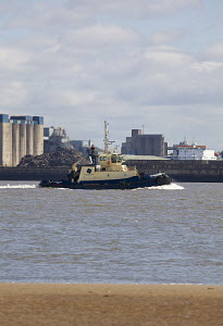 The Mersey tug Svitzer Nari, River Mersey, Liverpool, Merseyside, United Kingdom, June 2013. All non-editorial uses must be cleared individually. - Graham  Brazendale