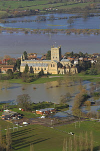 Tewkesbury Abbey surrounded with flooded town and meadows following February 2014 Severn Valley floods, Gloucestershire, England, UK, 7th February 2014.  -  David  Woodfall