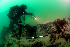Maritime archaeologist on the wreck of the 1st rate man-of-war, HMS Invincible wrecked in 1758. Eastern Solent Channel. England, UK, May 2013. No release available.  -  Michael Pitts