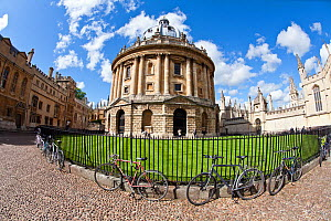 Radcliffe Camera taken with a fish eye lens, 18th century home of the Radcliffe Science Library, Radcliffe Square, Oxford, UK, May 2012.  -  John Waters