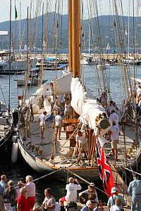 Crowds around Schooner 'Elena' after racing, Les Voiles De St Tropez regatta, St Tropez, France, October 2013. All non-editorial uses must be cleared individually. - Ingrid  Abery