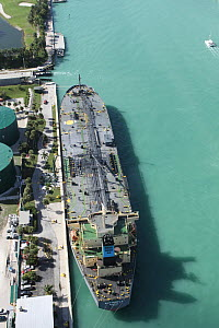 Aerial view of a container ship moored off Miami Beach, Florida, USA, December 2013. All non-editorial uses must be cleared individually. - Ingrid  Abery