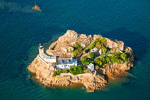 Aerial view of L'ile Louet / Louet Island, Bay of Morlaix, Finistere, Brittany, France, September 2006. - Christophe Courteau