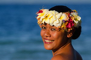 Woman wearing traditional floral headdress for ceremony, Kioa Island, Fiji, South Pacific, July 2014. - Pete Oxford