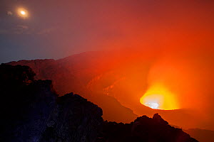 Nyiragongo volcano at night, Virungas National Park, Democratic Republic of Congo February 2014. - Tom  Gilks