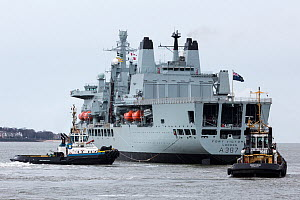 The RFA Fort Victoria leaves Liverpool for sea trials following a refit at Cammel Laird. Liverpool, Merseyside, UK, January 2015. - Graham  Brazendale