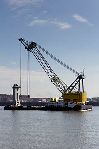 Floating Crane 'Lara 1', Liverpool, Merseyside, River Mersey, United Kingdom, July 2014. All non-editorial uses must be cleared individually. - Graham  Brazendale