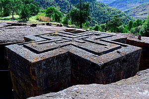 Bet Giyorgis Church, a church carved out of solid tufa rock, view from the top showing its cross shape, Lalibela. UNESCO World Heritage Site. Ethiopia, December 2014. - Enrique Lopez-Tapia