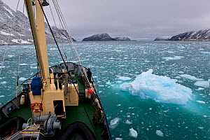 View from on board a boat sailing through ice, Spitsbergen, Svalbard, Norway, September 2010. All non-editorial uses must be cleared individually.  -  Klein & Hubert