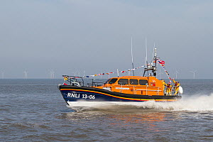 New lifeboat RNLB Edmund Hawthorn Micklewood, performing an exhibition run past the Hoylake lifeboat station after it's official launch and naming ceremony. Hoylake, Wirral, Merseyside, England UK. Ma... - Norma  Brazendale