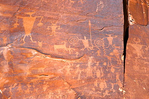 Petroglyphs in sandstone cliff, from the Formative period (between 1000 BC and 500 AD) Moab Area, Colorado, USA. September 2013.  -  Steven David Miller