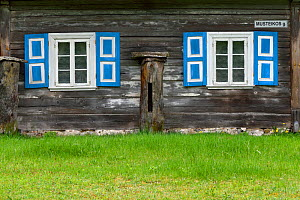 Wooden House in Musteika Village,  Lithuania, May 2015.  -  Staffan Widstrand