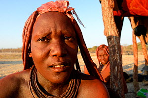 Portrait of Himba woman with traditional hair and jewellry, Kaokoland, Namibia October 2015 - Eric Baccega