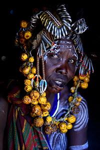 Woman wearing traditional headdress. Mursi tribe, Mago National Park. Omo Valley, Ethiopia. - Enrique Lopez-Tapia