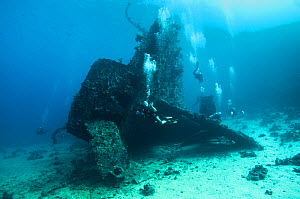 Divers investigate the stern of the SS Carnatic Shipwreck, Abu Nuhas reef, northern Red Sea, December 2014 - Bertie Gregory