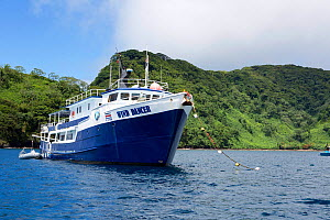 Luxury liveaboard Wind Dancer moored in Cocos Island National Park, Natural World Heritage Site, Costa Rica, East Pacific Ocean. September 2012. - Franco  Banfi