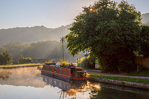 Autumn mist on Kennet and Avon Canal, Dundas Aquaduct, Bath, UK. September 2015. - Nick Turner