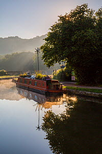 Autumn mist on Kennet and Avon Canal at Dundas Aquaduct, Bath, UK. September 2015. - Nick Turner