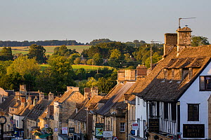 Cotswolds town of Burford, Oxfordshire, England. September 2015.  -  Nick Turner
