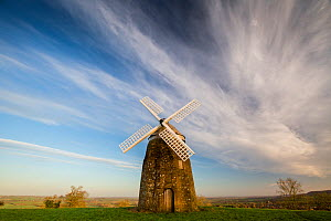 Windmill at Tysoe, Cotswolds Area Of Natural Beauty, UK. January 2016. - Nick Turner