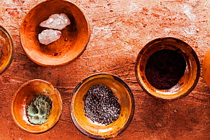 Pots of materials used for dye in Planeterra-supported women's weaving project, Huchuy Qosco indigenous village, Sacred Valley, Peru. - Merryn  Thomas