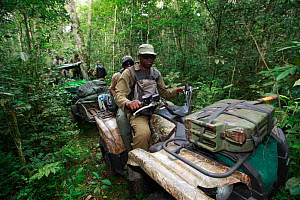 Anti-poaching patrol equipped by the Aspinal Foundation in Bateke Plateau National Park, Gabon, June 2011.  -  Cyril Ruoso